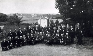 Veterans of the 15th Massachusetts Regiment at their monument, 1889, Gettysburg  PA